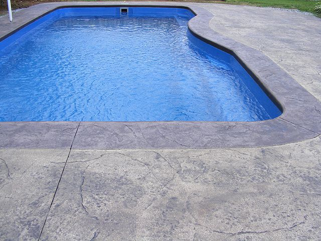 Superior Brushed/Broomed Concrete For Swimming Pools: Which Is Better?