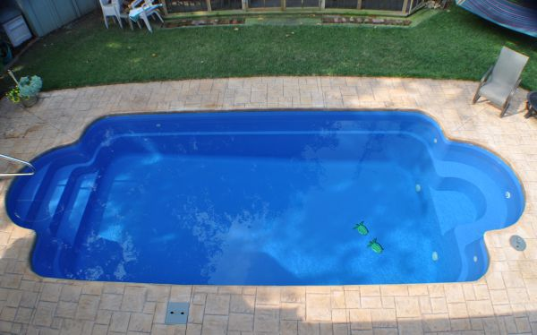 Fiberglass pools plus concrete vinyl and above ground for Swimming pool shapes