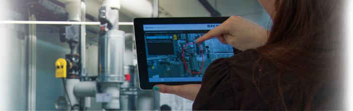 Die Referenz: RE'FLEKT DemoWall für Datenbrillen und Augmented Reality