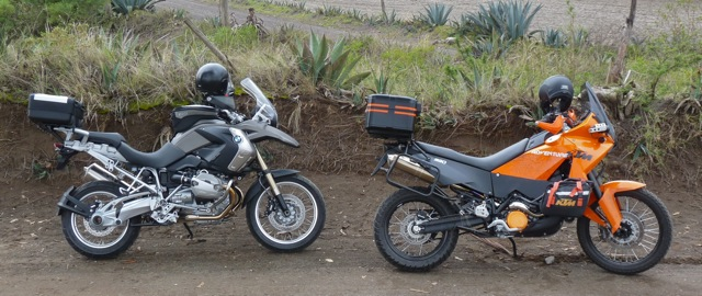 KTM 990 Vs. BMW R1200GS