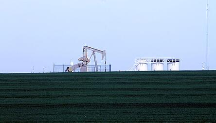oil-rig-101275_640