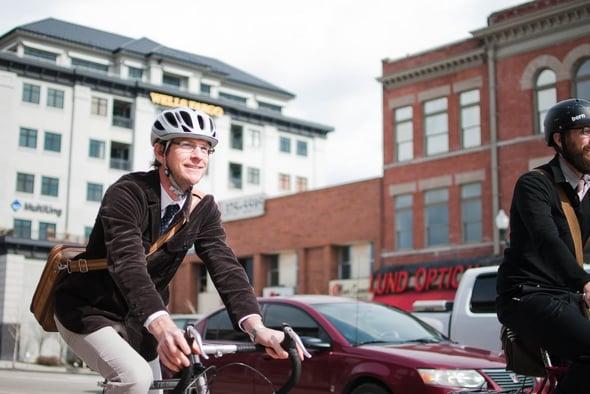 A lavoro in bicicletta: avanza la legge per tutelare gli infortuni