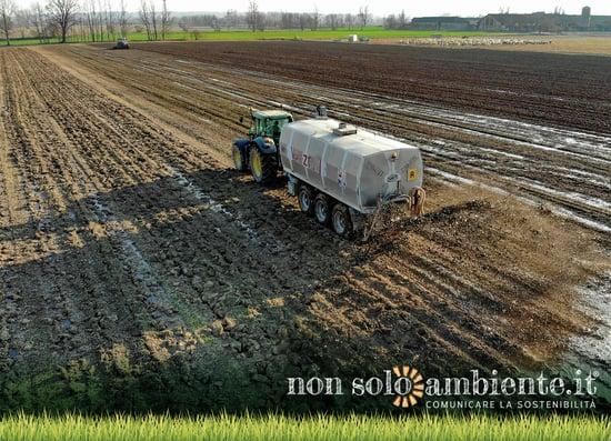 Bozza decreto fanghi, più sostanze tossiche nei terreni agricoli?