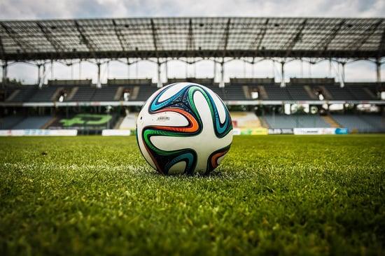 Calcio, una moneta particolare per gli arbitri in onore di Expo 2015