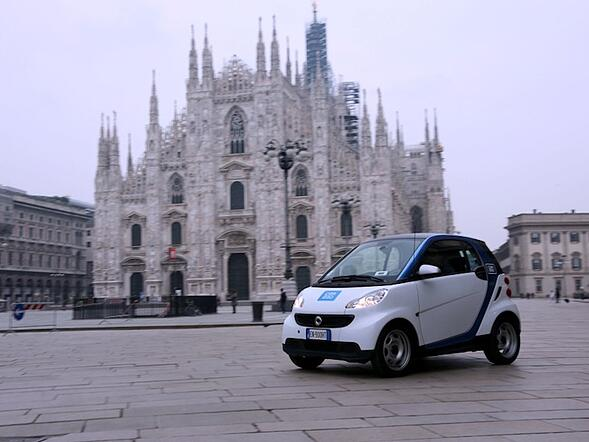 Car2go: arriva a Milano il car sharing di Smart