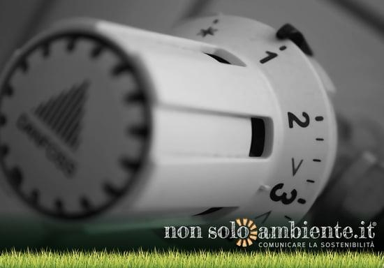Come abbassare i costi per la bolletta luce e gas in inverno: gli interventi da fare subito