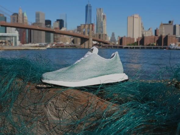 Dai progetti universitari ai prototipi Adidas, i rifiuti fanno tendenza