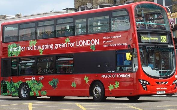 La mobilità elettrica di Londra: dopo i taxi, tocca ai bus double-decker