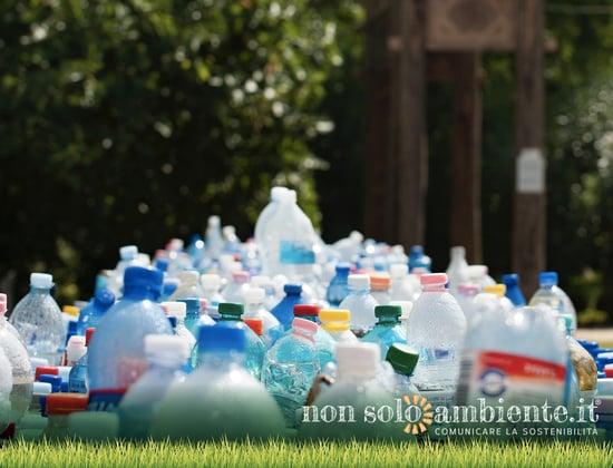 Stop Plastica: Pepsi e Coca-Cola contro le lobby