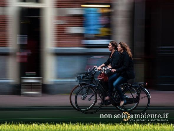 Fino a 25 euro al mese per chi va a scuola o al lavoro in bici