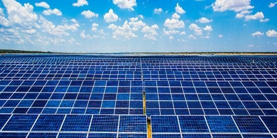 Energie rinnovabili e finanza: nuove opportunità di investimento grazie ai fondi Quercus