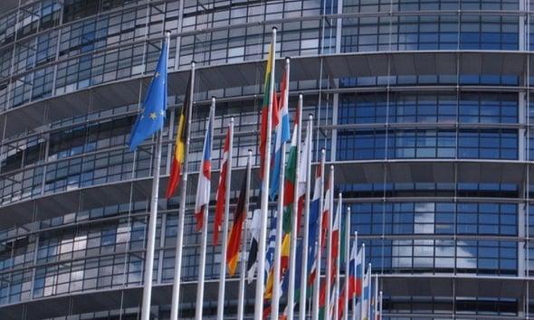 Il Parlamento Europeo abbatte l'impatto ambientale: nuove misure dal 2016