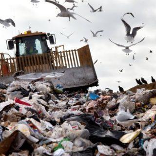 Europa: rifiuti in calo e differenziata in crescita. E' una vera vittoria?
