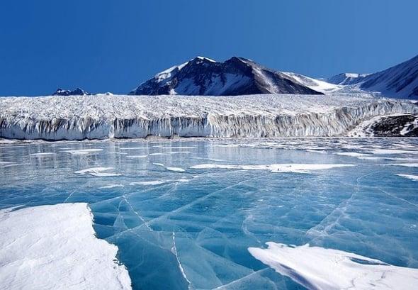 Iceberg A68: cause e scenari futuri di un gigante alla deriva