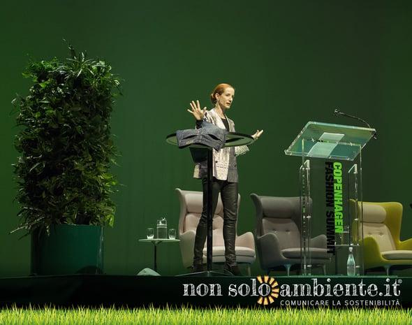 Moda: la sostenibilità non è ancora una priorità. Anzi, si fanno passi indietro