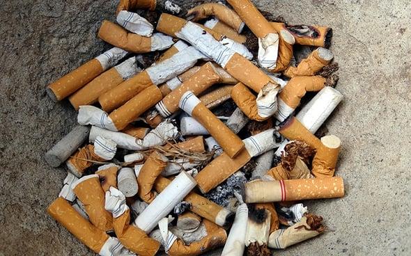 Lotta ai mozziconi di sigaretta, flagello ambientale sulle spiagge del mondo