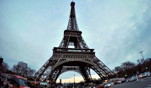 Turbine eoliche per la Torre Eiffel: Parigi è sempre più verde