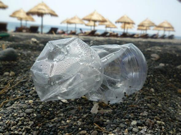 Plastica, primo nemico delle spiagge italiane