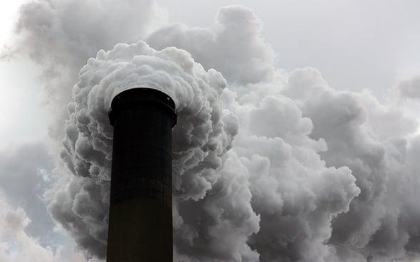 Finanziati nuovi impianti a carbone, i paradossi della politica climatica giapponese