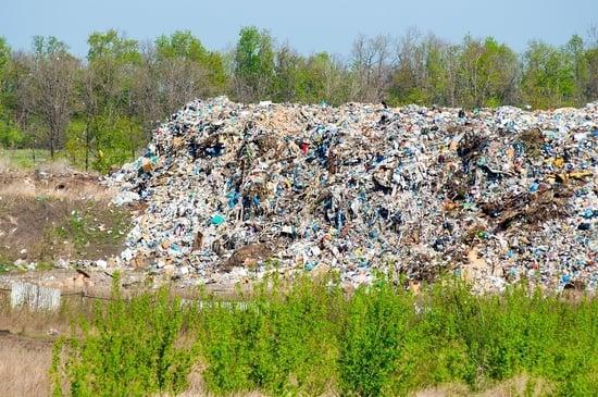 """Cambia la classificazione: rifiuti speciali """"pericolosi"""" per legge"""