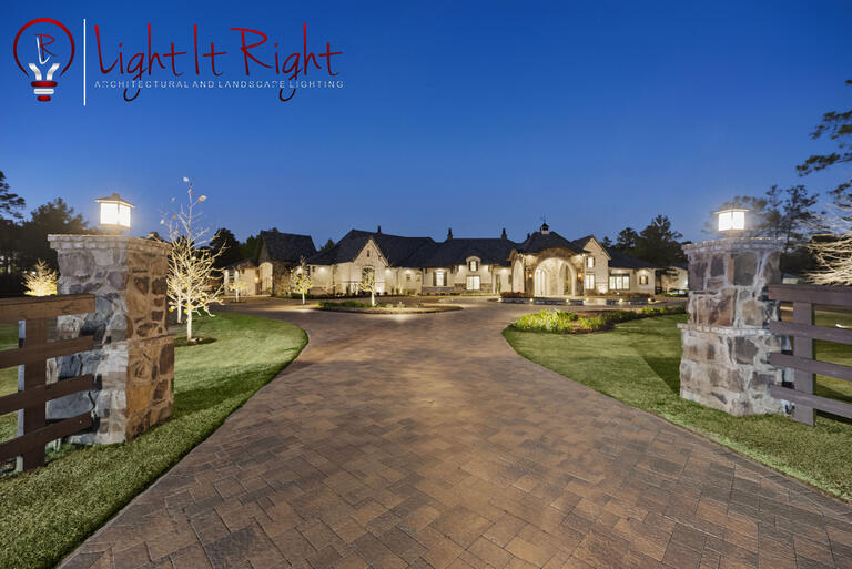 Using Outdoor Lighting to Accentuate the 4 Architectural Styles