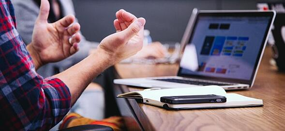4 ways to keep project communications on track