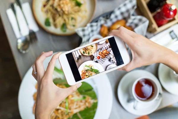 restaurant-marketing-social-media-1