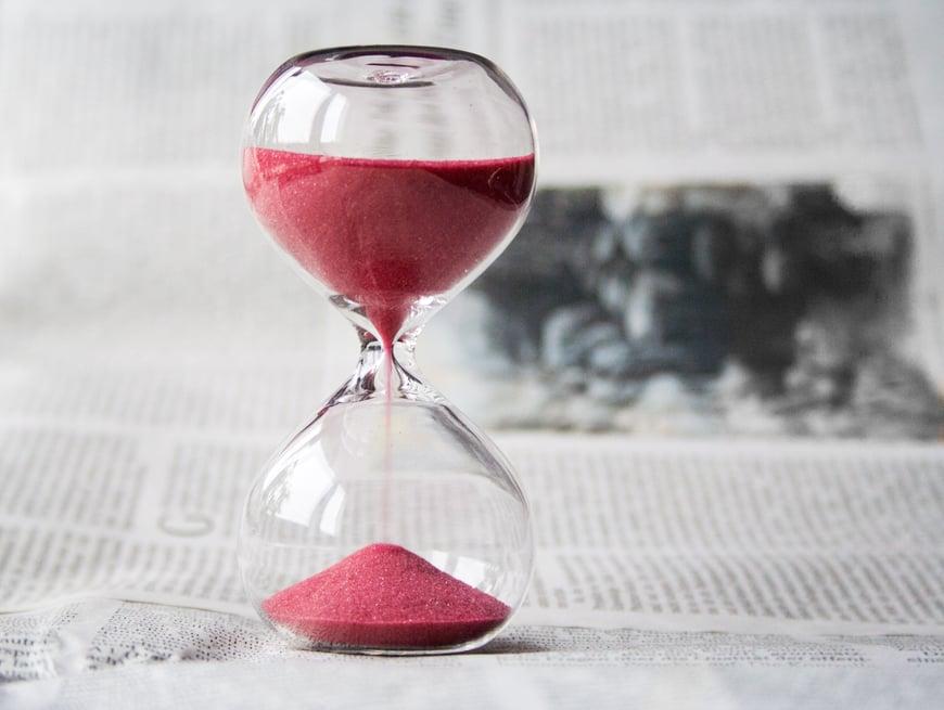 glass-hourglass-hours-39396