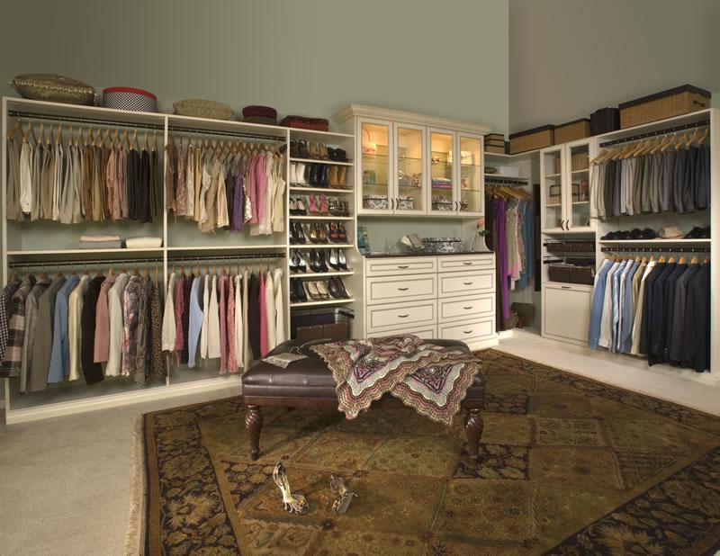 Premier Closet In Antique White