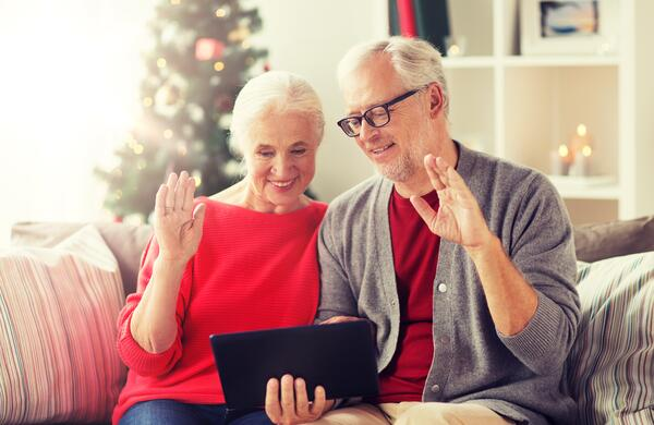 How to Stay Connected During the Holidays While Coping With Cancer