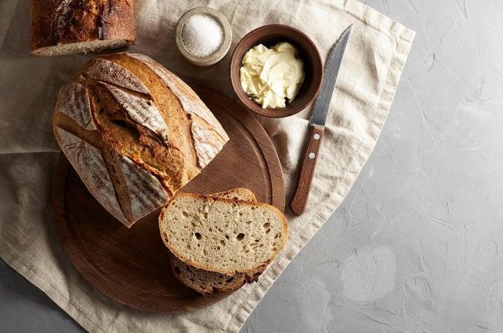 Dariia Belkina by Shutterstock pakattu, bread and butter challenges of treasury