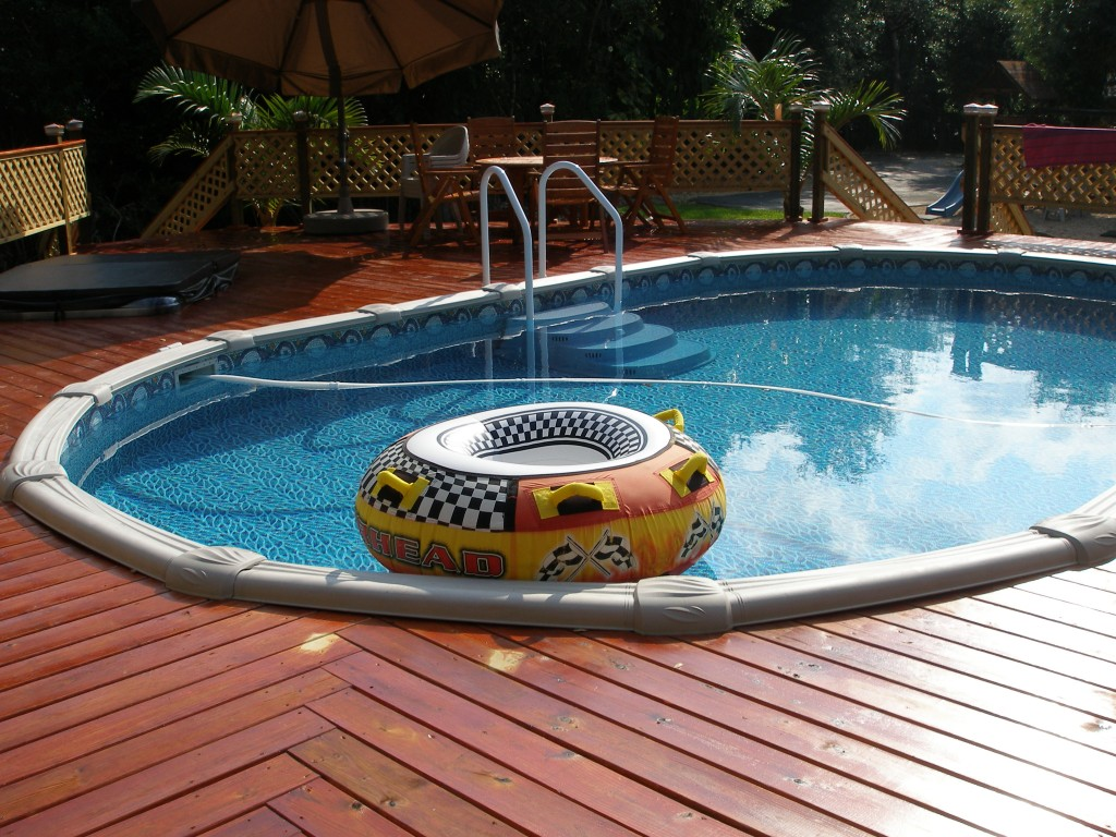 Options For Adding A Deck Around Your Pool