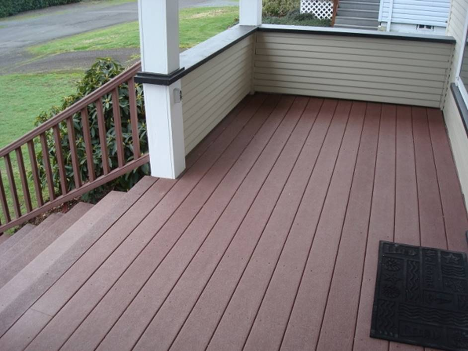 front porch built with Trex decking