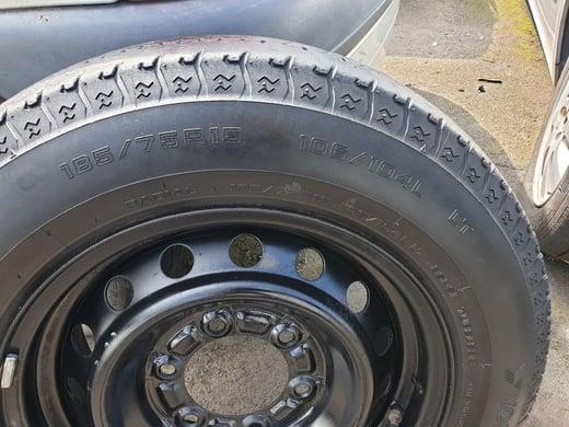 Yokohama Tyre Rim 185 75R15 1