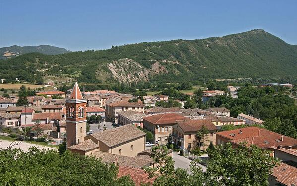 DH Villas - Acqualagna across Truffle, History and Tourism