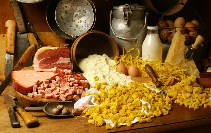 DHvillas-Eat Parade specialties in Emilia Romagna