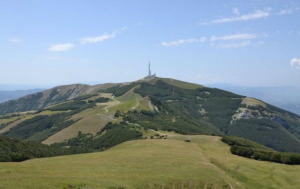 DHvillas-Idea di viaggio il fascino del Monte Nerone-1
