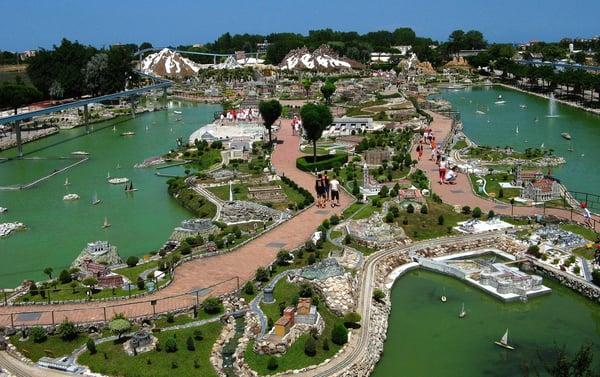 DH Villas - Italy in Miniature