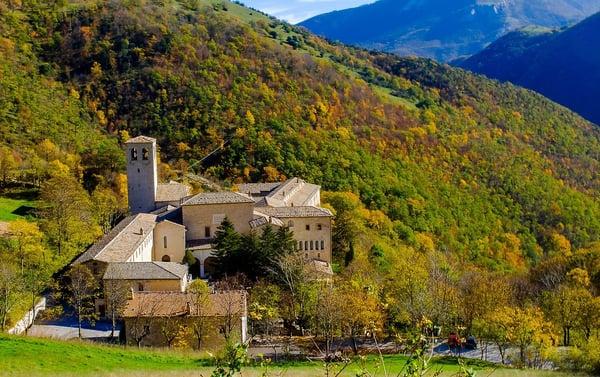 DH Villas - The monastery of Fonte Avellana