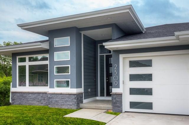 Select A Unique Garage Door In Des Moines Set Your House