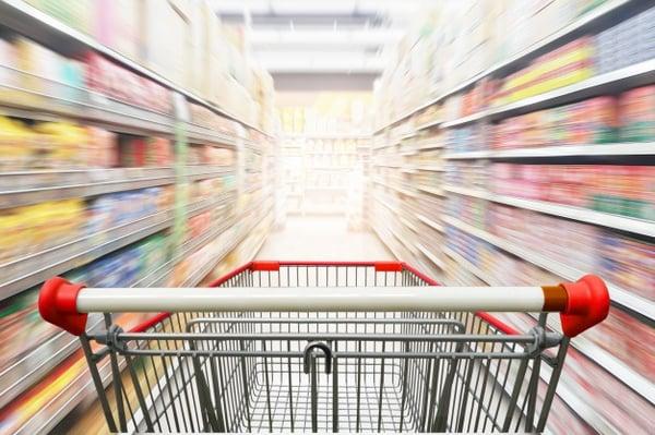 Carro de la compra pasillo supermercado