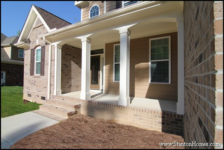 Front porch design ideas 12 small front porches for 10 foot porch columns