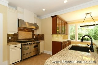 Add a Butlers Pantry to a Floor Plan