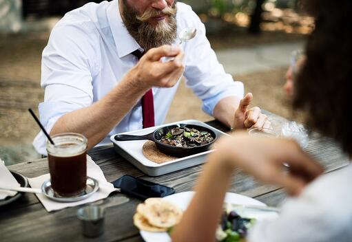 The Easiest Way to Stay Compliant with Lunch Break Laws
