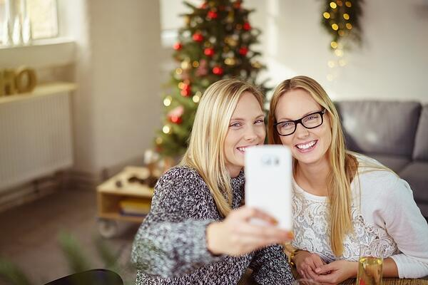 3 Ways to Connect With Loved Ones When You Can't Be There in Person