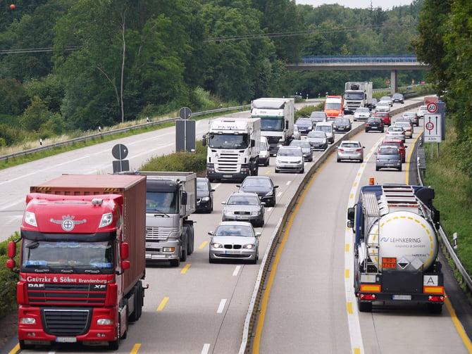 highway-1277246_1920