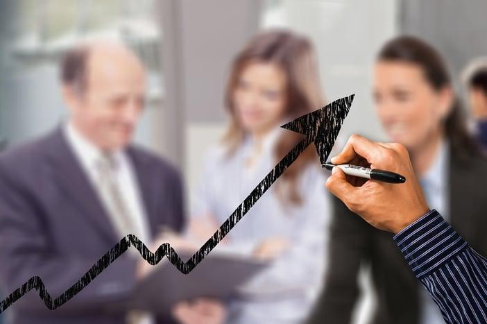Toimiva tiedonhallinta laittaa urakointiyrityksen rahavirran liikkeelle
