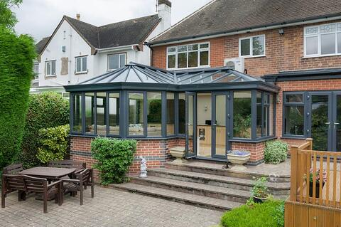 Shaped Conservatories Bergson & Eaton