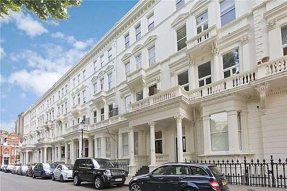 White stucco properties in Earl's Court