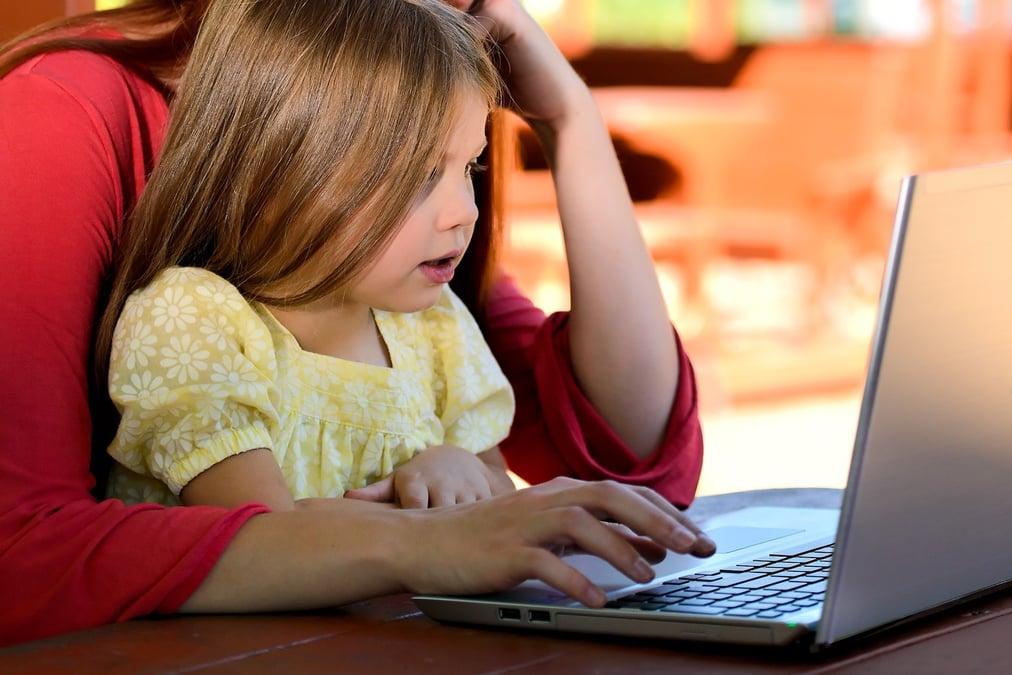 child-computer-cute